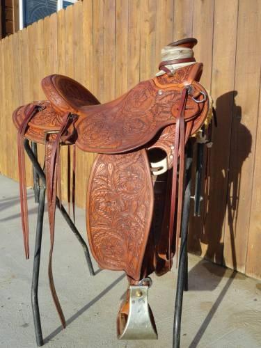 Chas Weldon saddle for sale | horses, cowboy gear ...