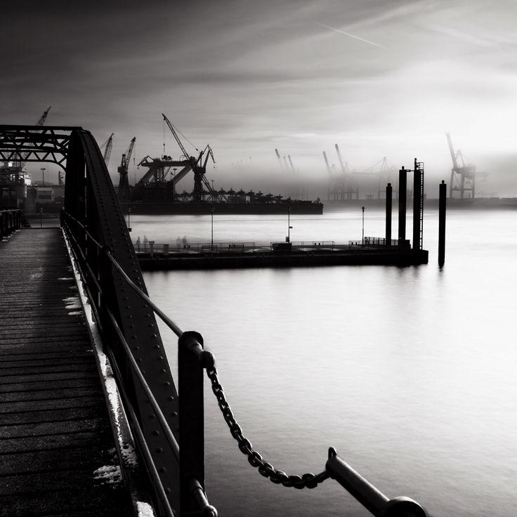 #hamburg #photography #harbour #black repinned by www.BlickeDeeler.de