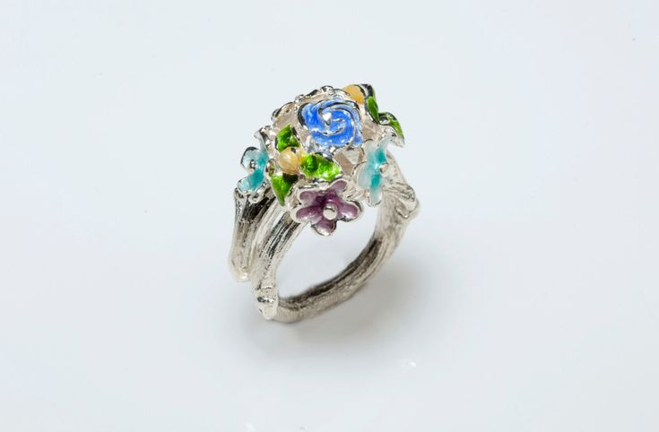 New to Giampouras on Etsy: Sterling Silver Ring Enamel Ring Floral Ring - Bouquet Of FlowerBotanical Jewelry Nature Inspired Spring GiampourasFloral Jewelry (80.30 EUR)
