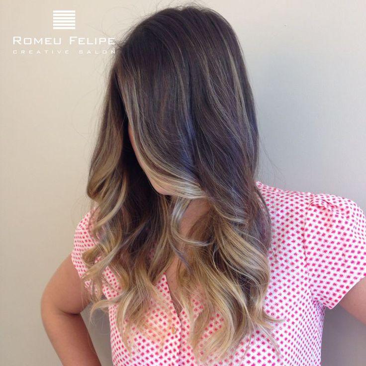 Veja todo o conceito Castanho Iluminado em nossa galeria de imagens. A técnica é uma ótima opção para manter seus cabelos com uma cor natural e moderna.