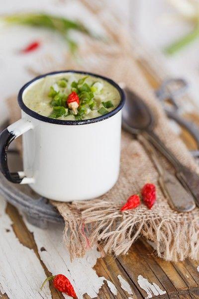 Я являюсь поклонницей супов-пюре, мне нравится даже тыквенный суп пюре...больше всего грибной, а второе место разделяет картофельный и сырный.Готовлю их часто, ем…