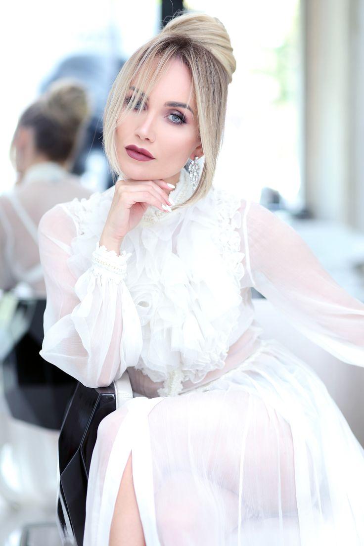 Hairstyle : Sexy updo – Postolatieva