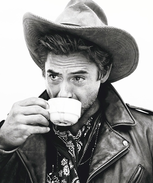 Coffee : Robert Downey Jr. http://legjobbkave.hu/igy-kaveznak-a-sztarok/