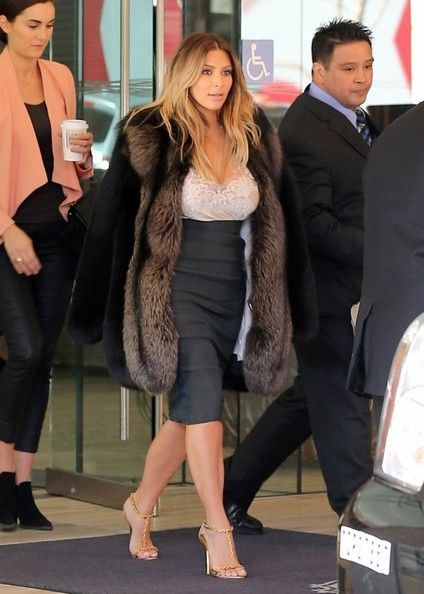Kim Kardashian - Recently Engaged Kim Kardashian Leaving Her Hotel In San Francisco