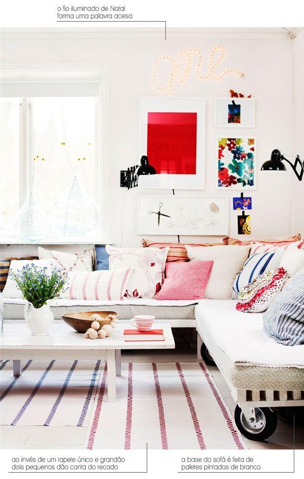 pallet sofa + pillows + xstmas lights #decor #pallet