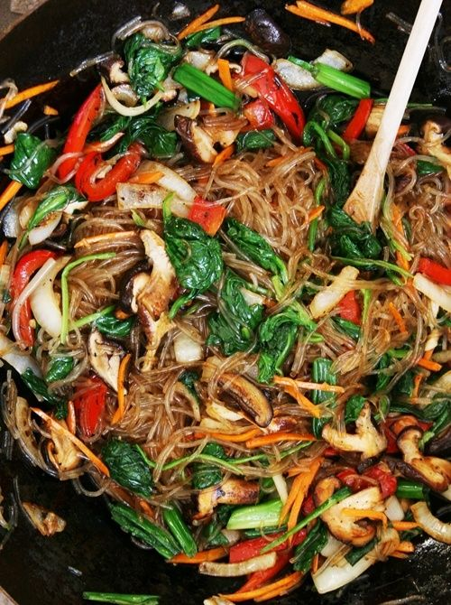 Vegetarian Jap Chae. What a nice recipe! Lots of pasta, veggies and seasonings. :))) Ill leave out the tofu.