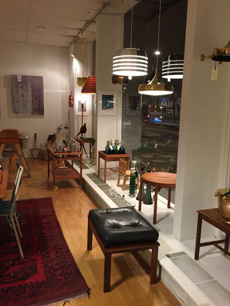 No name vintage. Teknologgatan 2, Göteborg. Instagram: nonamevintageshop