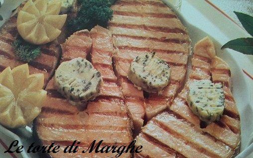 Filetti di salmone alla piastra ,un metodo veloce, con salsa calda da abbinare.Un piatto molto gustoso e facice da preparare. Accompagnato..