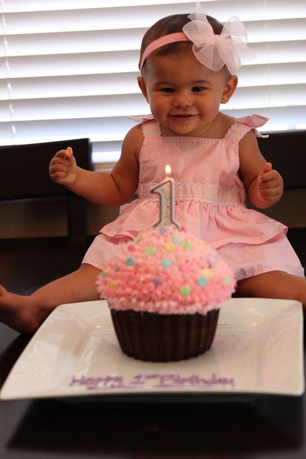 what a cute smoosh cake!