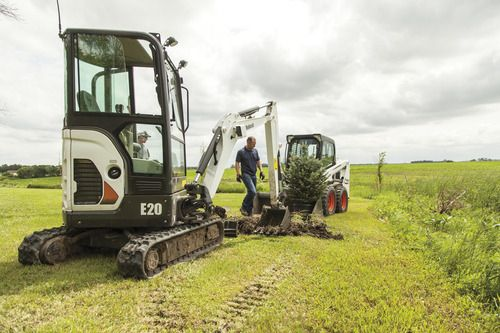 E20 Compact Excavator - Bobcat Company Excavator Training Online www.scissorlift.training