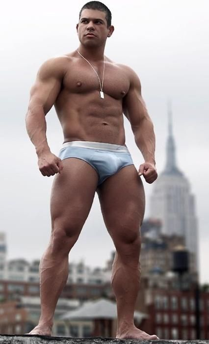 17 Best images about Sexy Men Showing Their Big Bulges on