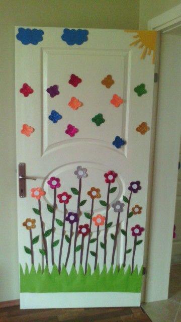 Kelebekli kapı süsü