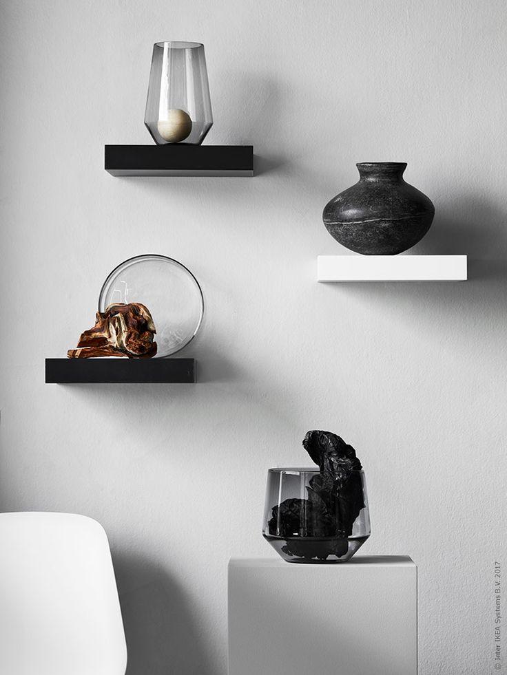Den klassiska vägghyllan LACK i vitt och svart är perfekta att montera på olika höjder på väggen. Fina vaser, som här ur den nya IKEA PS 2017 kollektionen, eller bara ett fynd från naturen blir vackra att placera på piedestal!