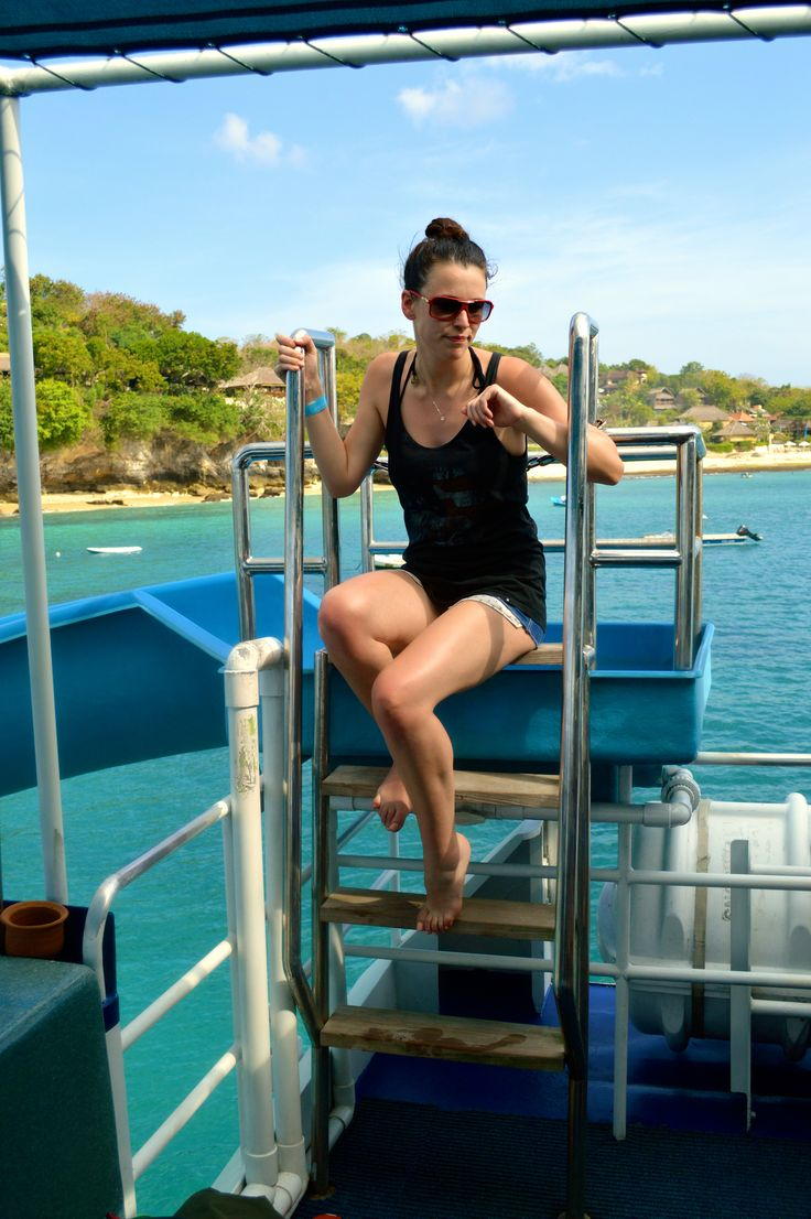 Fun Ship Bali to Lembongan Island provides lunch and a range of watersports. Includes snorkelling, kayaking, waterslide, sea biscuiting and a crazy ship ride! Dont forget to enjoy cocktails and a massage while on Lembongan Island too!!