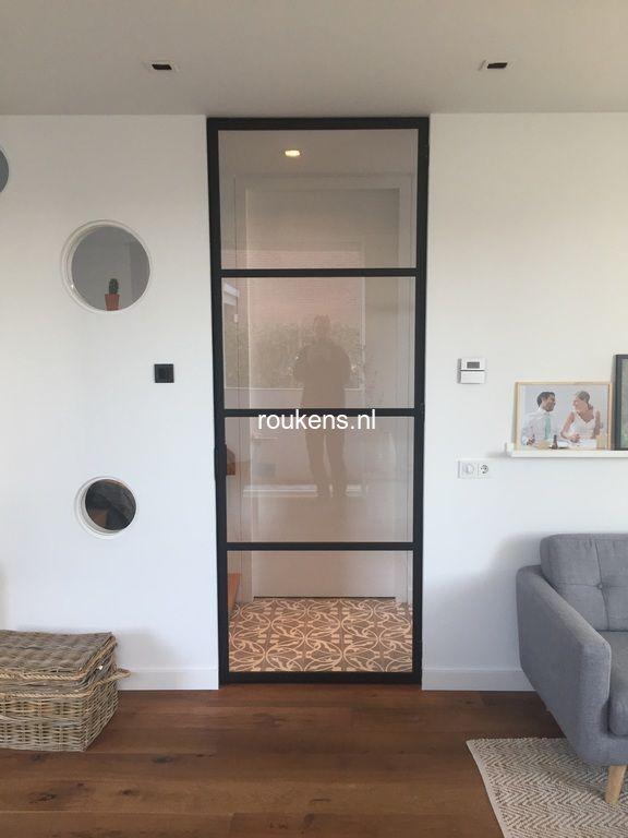 Deuren / Stalen enkele scharnierdeur met glas