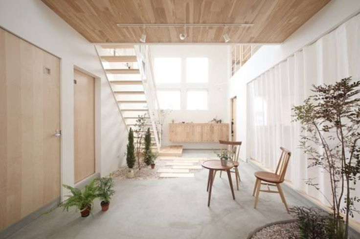 Kofunaki House: ALTS DESIGN OFFICEが手掛けたオリジナル玄関/廊下/階段です。