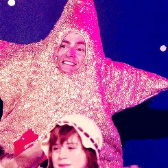 """David Tennant as a Star!"" ALWAYS REPIN <== wasn't going to repin but then I found out its a GIF!! XD"