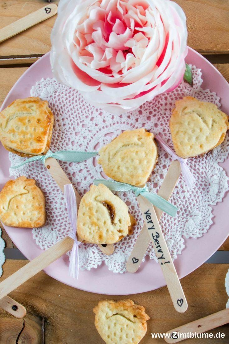 Erdbeer Pie Pops Knusprige Kuchen Am Stiel Rezept Sweetest