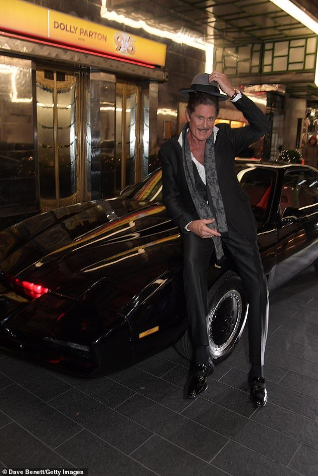 David Hasselhoff Relives His Knight Rider Days At Gala For Stage Role Knight Rider Groomsmen Grey Grey Suit Wedding