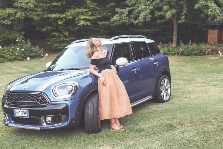 Nuova MINI CountryMan car travel blogger Lucia Del Pasqua style look
