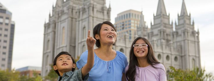 Hear and see the world-renowned Mormon Tabernacle Choir perform live during your next visit to Temple Square. View their free performance schedule here.