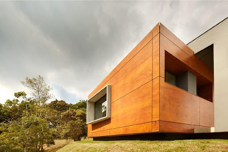 Fachadas modernas que amenizan el paisaje.