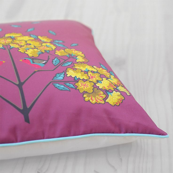 Diva Bara pillow with robin and yellow jasmine flower