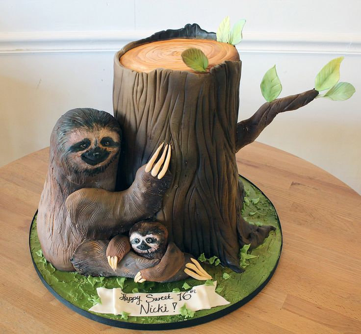 Sculpted Mom and Baby Sloth Cake | by Oakleaf Cakes
