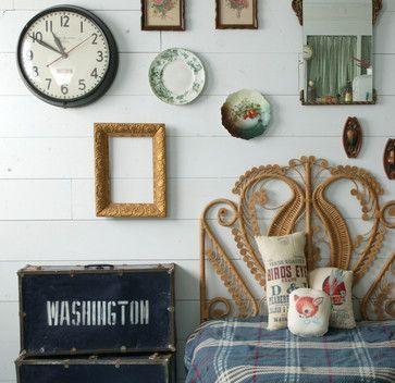 eclectic-bedroom-gallery-wall-clock