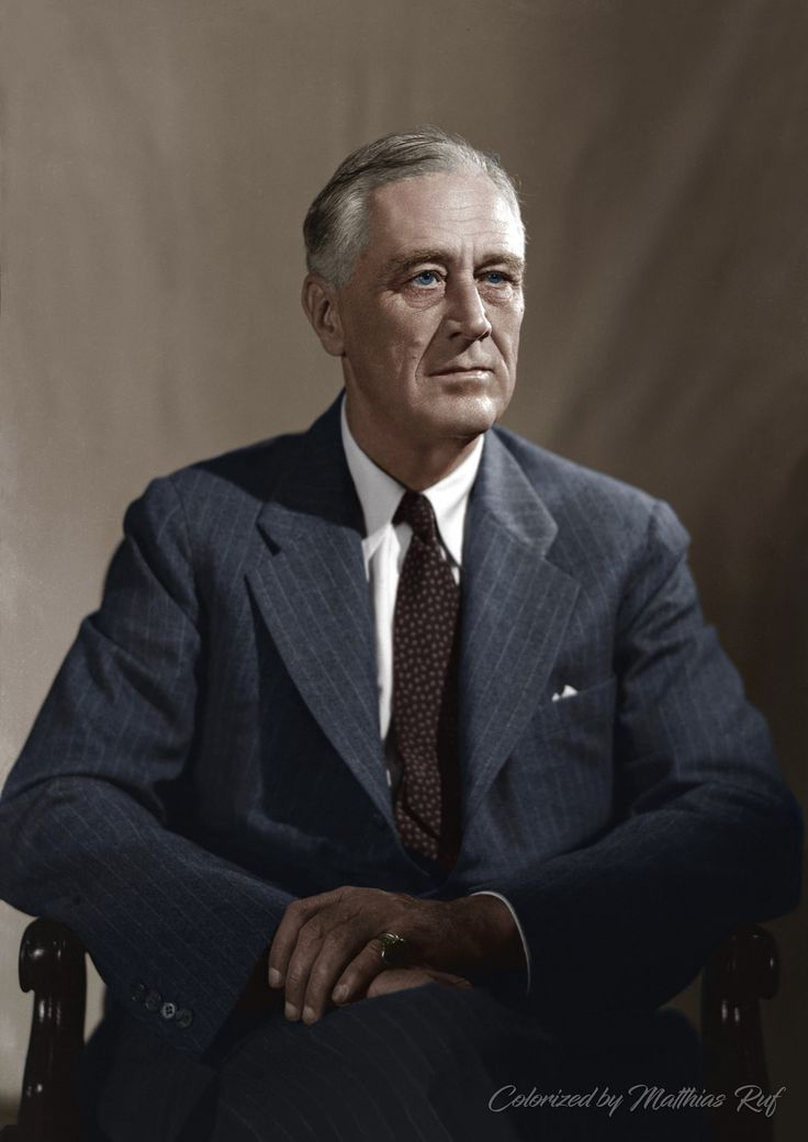 Portrait photo of Franklin D Roosevelt taken at 1944 Official Campaign Portrait session by Leon A. Perskie, Hyde Park, New York, August 21, 1944.