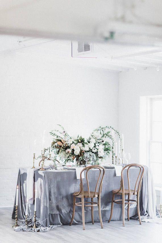 Swooning so hard over this gray velvet tablecloth! | Wedding Linens | Velvet Wedding Decor | Gray Wedding Color Palette | Wedding Tablescape | Gray Wedding Ideas | Sweetheart Table Decor | #velvetwedding #graywedding