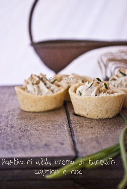 e di nuovo lei, la frolla salata....quel che avanza..non si butta!   E il protagonista è lei la crema al tartufo e funghi porcini, (Ta...