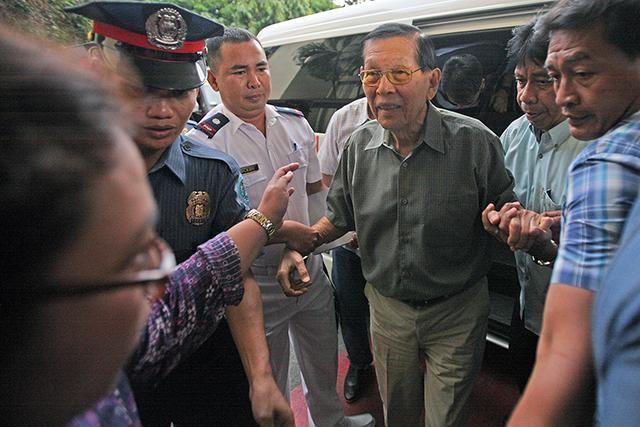 ICYMI: Enrile leaves Camp Crame to post bail at Sandiganbayan http://gmane.ws/1TYQ4jl