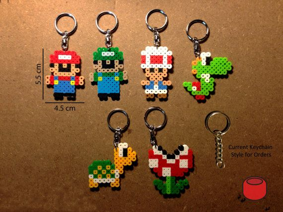 Mario Keychains Magnets and Pins made from Perler Beads door DJbits