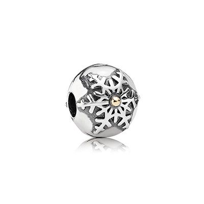 Two tone snowflake clip. $60 #PANDORA #PANDORAcharm #ChristmasCollection