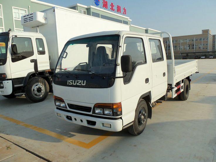 Isuzu 100P transport goods truck double cabin