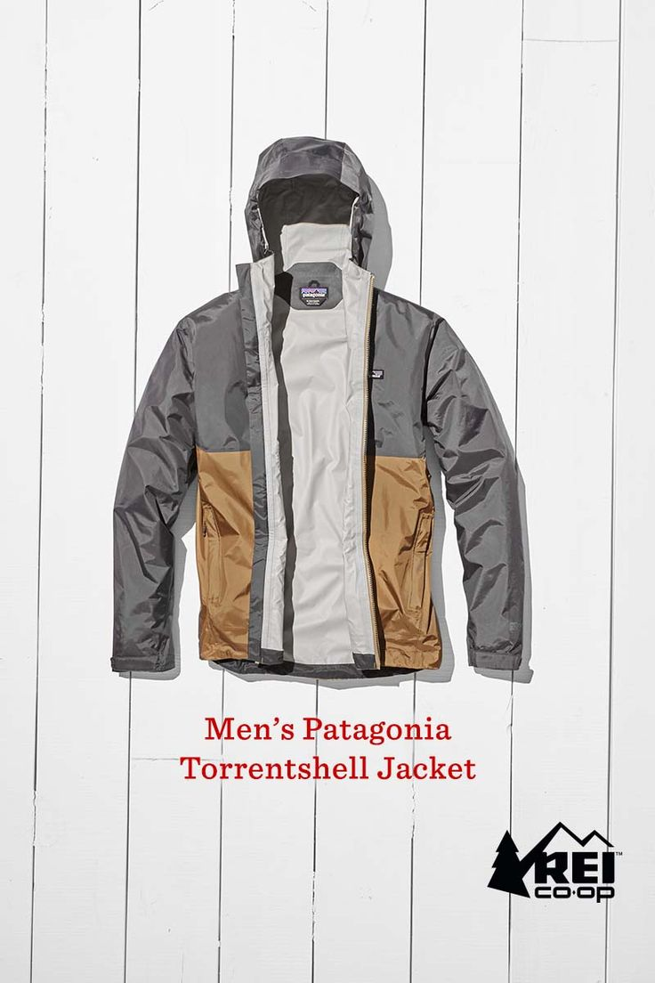 Through snow, freezing rain or tropical storms, the men's Patagonia Torrentshell Jacket keeps you dry with its lightweight 2.5-layer waterproof, breathable H2No Performance Standard shell, now with a 100% recycled nylon face. Grab the Torrentshell and be ready for any kind of weather.