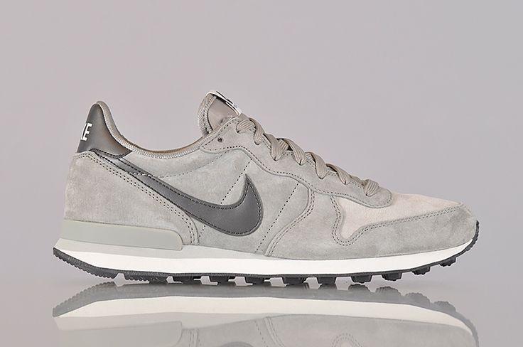 Nike Sportswear Internationalist Leather (631755-012)