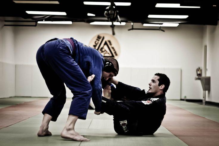 Hjärta grappling, vare sig det är brasiliansk jujutsu, judo eller submission wrestling.