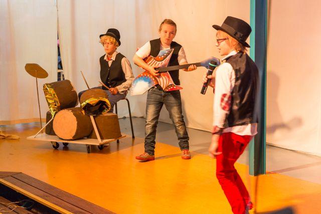 Scène van rockers uit Plexat!