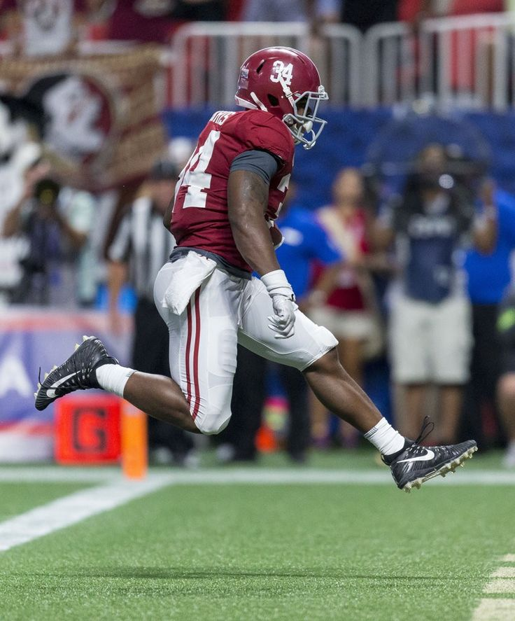 Alabama running back Damien Harris (34) gets loose for a touchdown during the second half of the Alabama vs. Florida State football game, Saturday, Sept. 2, 2017, at Mercedes-Benz Stadium in Atlanta. Vasha Hunt/vhunt@al.com