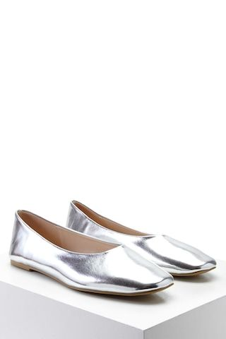 Metallic Glove Flats