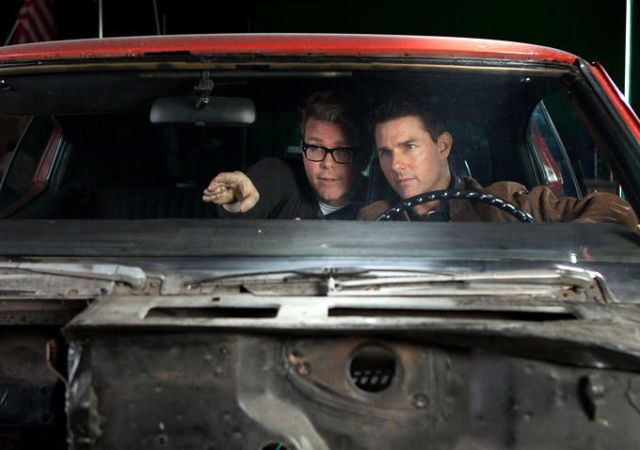 Christopher McQuarrie and Tom Cruise on-set of Jack Reacher (2012)
