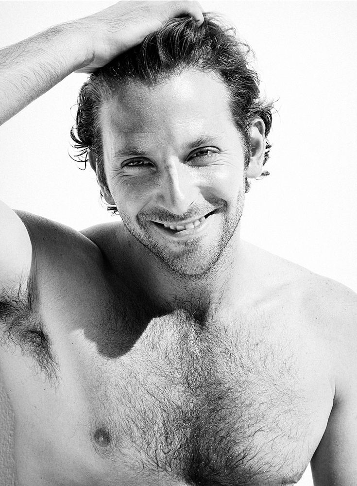 Ready for a big smile? Award season is here! Bradley Cooper wins Best Actor at ELLE Style Awards