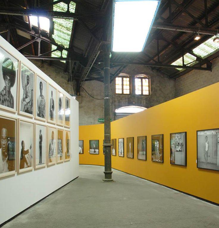 Les Rencontres d'Arles Rencontres d'Arles: expositions, stages photo / exhibitions, photo workshops.