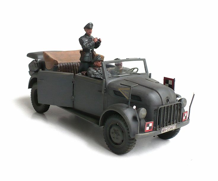 Here are some more images of Tamiyas 1/35 scale S.gl.Pkw. Steyr Kommandeurwagen. This was the vehicle of choice for high rankin...