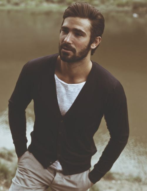 casual cardigan - smart and simple - well done Cyril Giustiniani. I must say, I would love to have his hair and beard too. He looks sooo good with his hair ans beard.