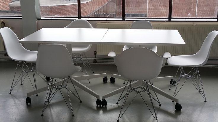 Steelcase verrijdbare witte tafel 90x90cm