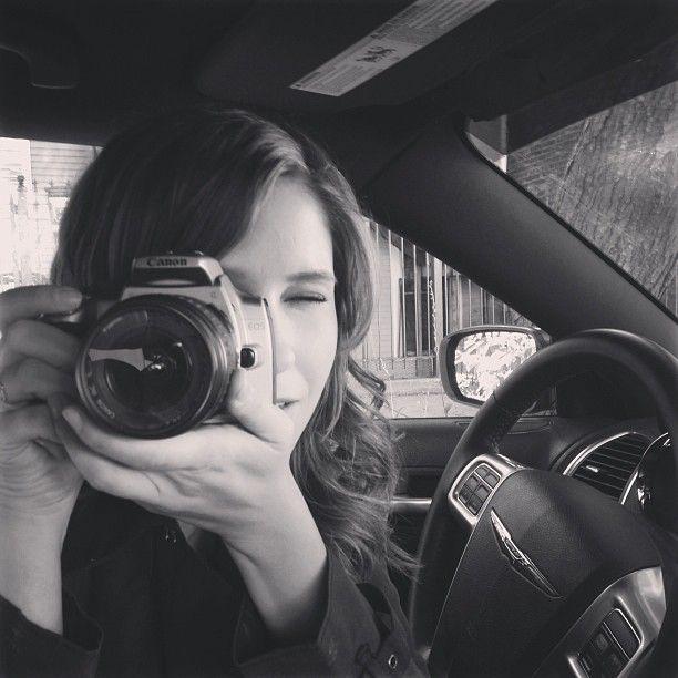 Sophia Bush say cheese. #reversecoverage #scene8 #DetectiveLindsay #ChicagoPD @Leslie Mallman PD