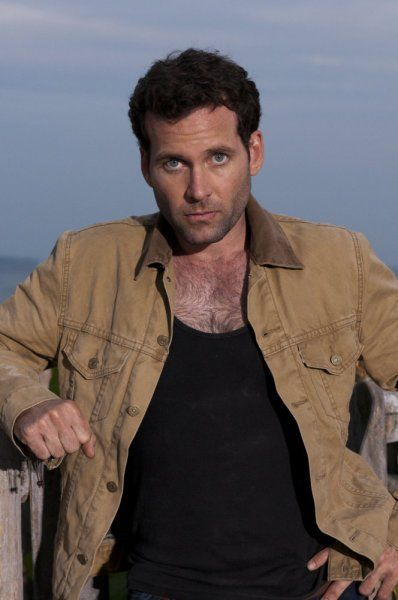 Eion Bailey in Covert Affairs